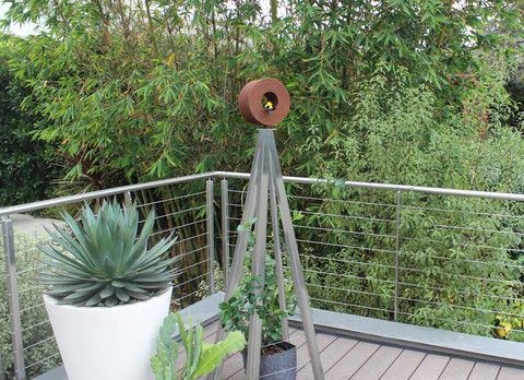 Metals Of Various Shades And Reflective Finishes Are Widely Used In Modern  Architecture, And Are. Wall TrellisArbors TrellisModern Garden ...