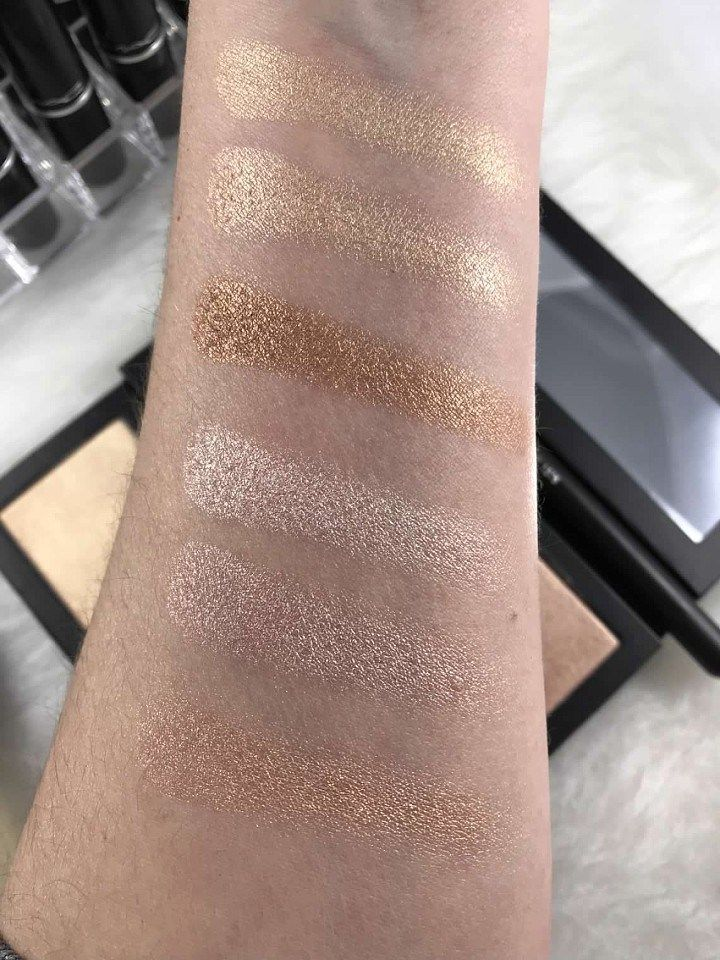 Invisible Glow Powder Highlighter by bareMinerals #14