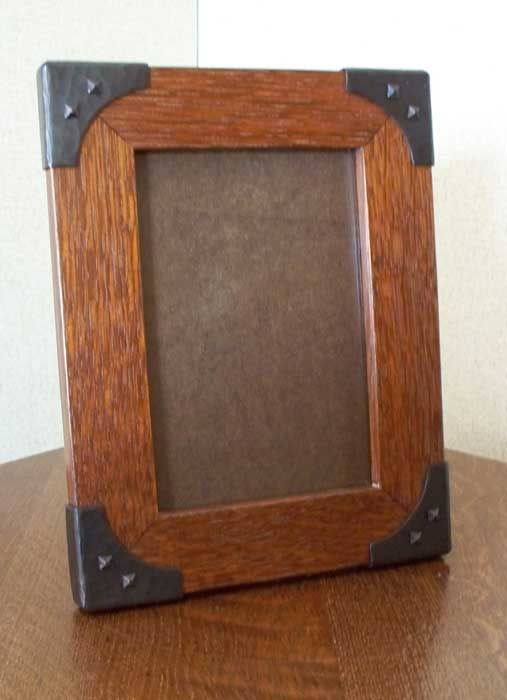 CWFCB1V  Quarter Sawn White Oak Vertical  With Copper Brackets  Frame Style W3  for 5 in. x 7 in. photo  $145.00