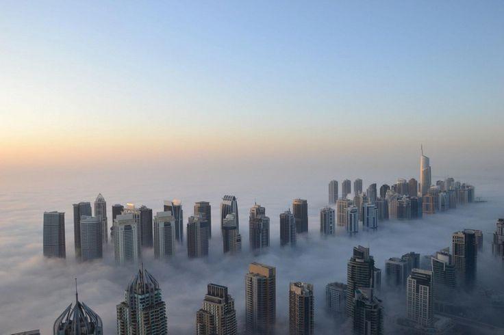Dubai cel acoperit de ceata,