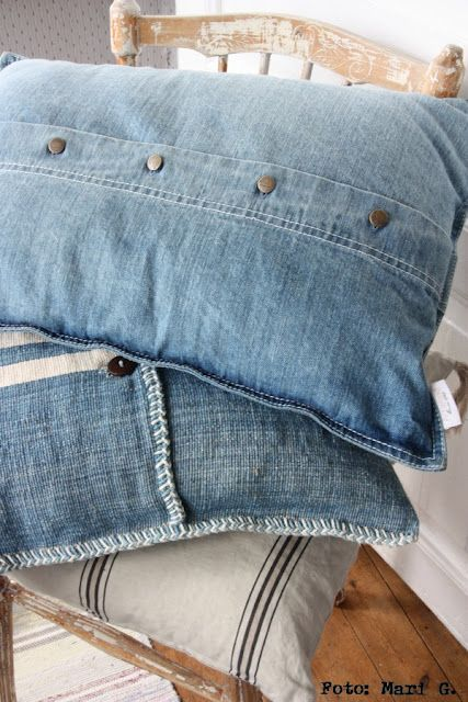 Denim pillows, uncomfortable but you can make it comfortable! This is a must-have in your new home/room and very vintage and modern. Use old jeans or denim clothes and very easy to make if you good on a sewing machine or even hand sew, good luck