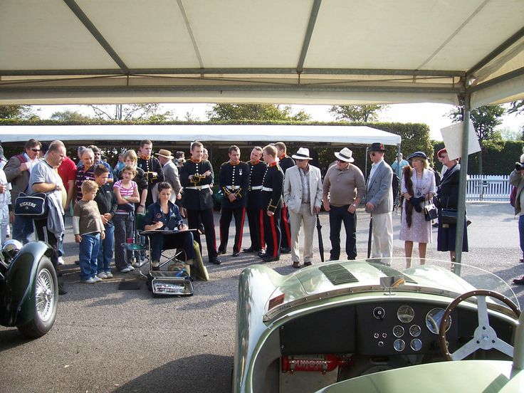 Painting a Kieft at Goodwood Revival, 2009