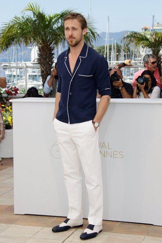 Ao falar de estilo e elegância, o ator Ryan Gosling é sempre lembrado. Confira o estilo e os gestuais que o tornam uma grande inspiração para os homens.