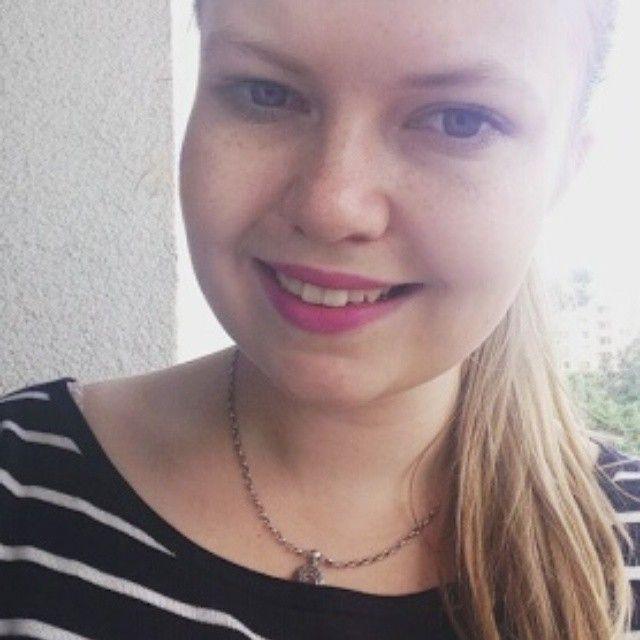 Fotka usměvavé Anetky se rtěnkou od nás v odstínu MYSTIC od Sleeku  Rtěnka :  http://www.befabulous.cz/makeup/lips/mystic-detail  Recenze Anetčina: http://palatinphotography.blogspot.cz/2015/07/rtenka-sleek-mystic.html  #befabulous #PalatinPhotography #makeup #photo #Sleek#blondgirl#Lips#Photography #girl #girls #fashion #czechgirl #bookstagram #brno #fotografka #instagram #brnenskafotografkaanetka #anetka #lucka #smiele #focení #mystic#happy