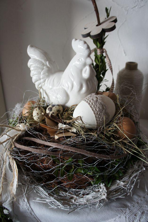 """Ostertischdeko - Tischkranz """" Elsa das zauberhafte Huhn....... - ein Designerstück von Hoimeliges bei DaWanda"""