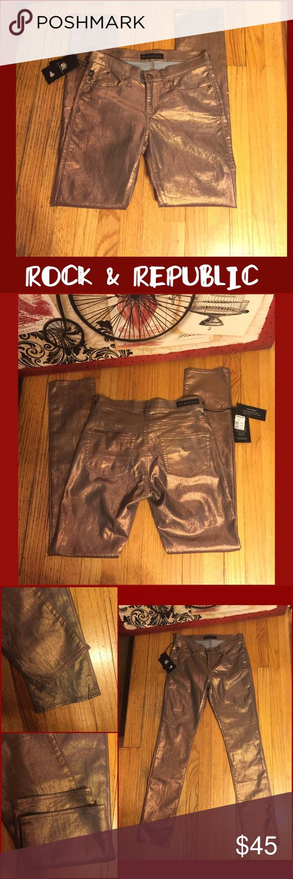 """NWT-SZ 6-ROCK & REPUBLIC COPPER SKINNY JEANS-30""""in NWT-RETAIL $88. ROCK & REPUBLIC """" BERLIN SKINNY"""" COPPER METALLIC WAXED DENIM JEANS. 30"""" INSEAM; LOW 8.5"""" RISE. STRETCH! 72% COTTON/ 27% POLYESTER/ 2% SPANDEX. SZ 6/28. ACTUAL MEASUREMENTS LYING FLAT: WAIST 15""""; HIPS 17"""". 6"""" FOOT OPENING LYING FLAT. PLEASE DO NOT HESITATE TO ASK ANY QUESTIONS! #nwt #rock&republic #berlinskinny #coppermetallic #waxeddenim #jeans Rock & Republic Jeans Skinny"""