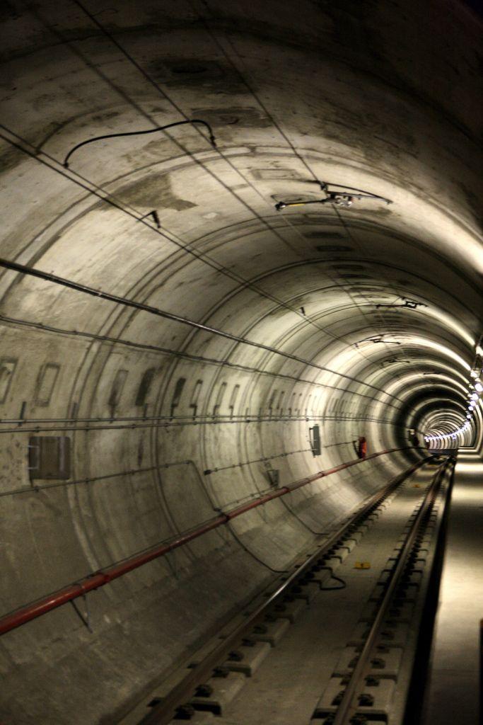 Edmonton Subway photographed by Kris Krug on Flickr https://flic.kr/p/g9Kzj |