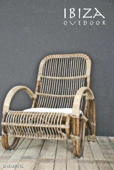 25 beste idee n over loungestoel op pinterest slaapbank slaapkamer vloerkussens en vloer - Woonkamer rotan voor veranda ...