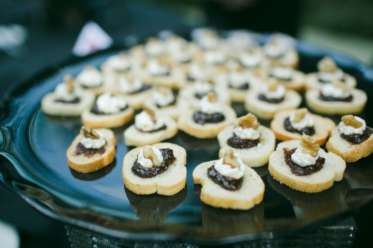 Fig and Walnut Tapenade with creamy goat cheese was served on a baguette to satisfy the taste buds of the guests