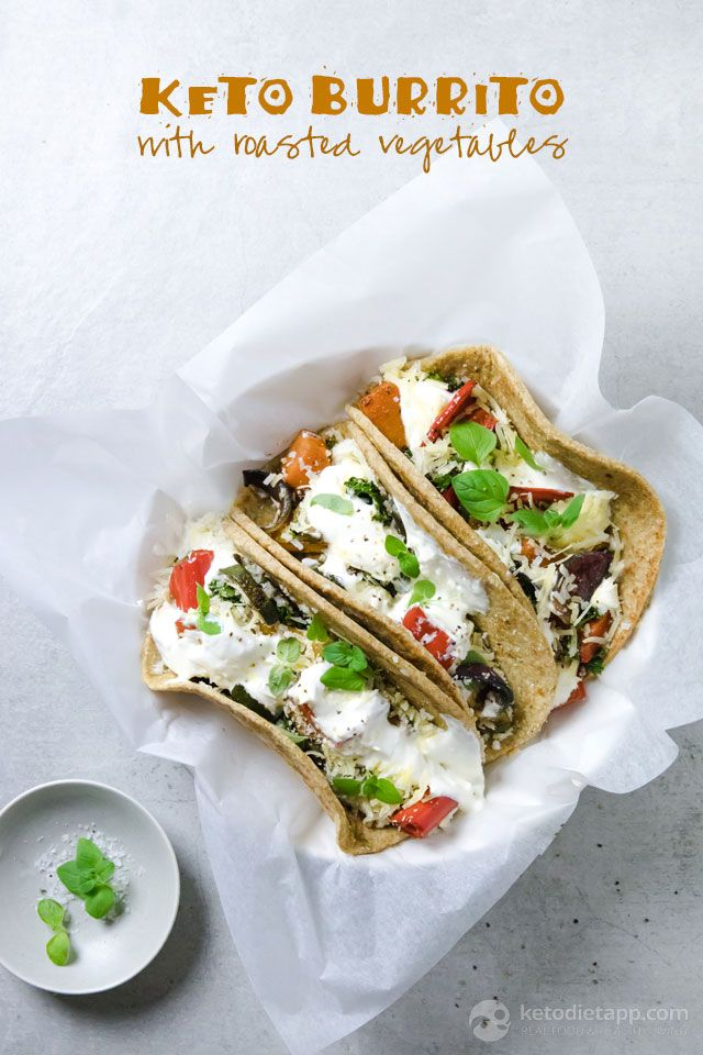 These Grain Free Keto Burritos Are Stuffed With Low Carb Roasted Vegetables Cauliflower Rice Cheese And Sour Cream To Help In 2020 Vegetarian Keto Recipes Vegetarian