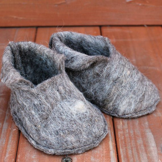 Natural Wool Felt Baby Booties  Scandinavian by HardySupplyCo, $14.00