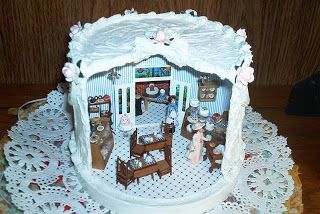 Little Roomers: Cake Shop in a CD Holder