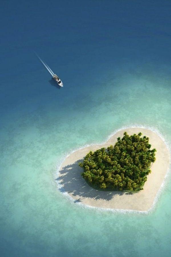 Tiny Heart Shaped Island In Fiji Known as Tavarua -