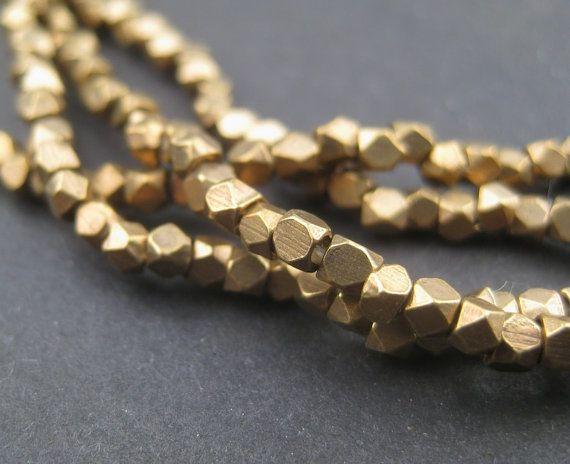 240 cuentas de bronce facetado - diamante pequeñas 2mm cortan a granos - espaciador latón - espaciadores metálicos - joyería que hace fuentes (FCT-USU-BRS - 138L)