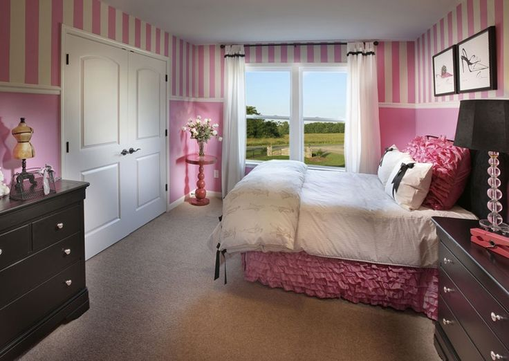 Contemporary Kids Bedroom with interior wallpaper, Built-in bookshelf, Chair rail, Paint, double-hung window, Carpet