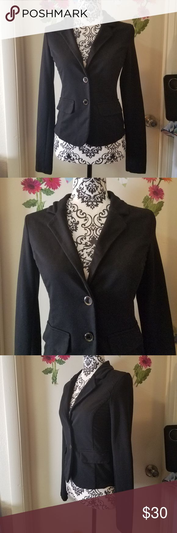 """TERRANOVA Long Sleeve Elbow Patch Jacket Blazer S TERRANOVA Long Sleeve Elbow Patch Jacket Blazer Women Black Polyester S Excellent Used Condition  Beautiful elbow patch jacket/blazer   60% Polyester  35% Cotton  5% Elastane  Measurements:  Length: 21"""" in Bust: 16"""" in  Thank you for looking!  O-T00 Terranova Jackets & Coats Blazers"""