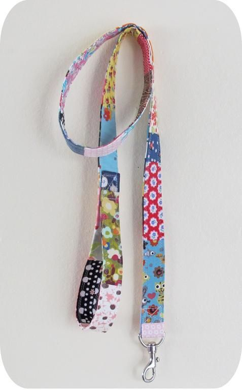 Find 8 great free patterns and tutorials for pet projects - that is, things to make for your pet, like this very stylish patchwork pet leash.