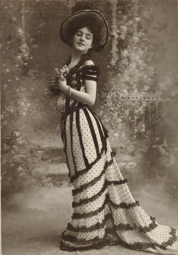 Evelyn Nesbit. She was so beautiful.