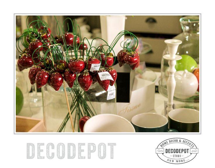 Decoraţiuni căpşuni. Strawberry trinkets. Porcelain. Braşov. România. DecoDepot. Shop Online.