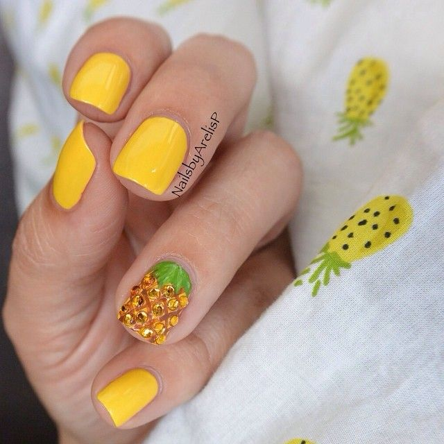 Very creative nail art with pineapple made of rhinestones ===== Check out my Etsy store for some nail art supplies https://www.etsy.com/shop/LaPalomaBoutique