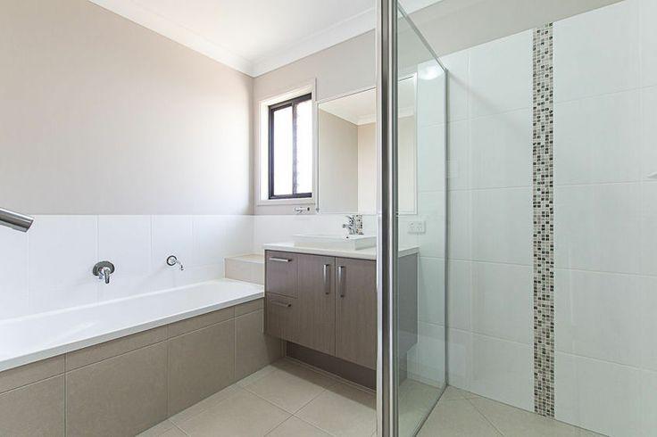 Ebony - Bathroom