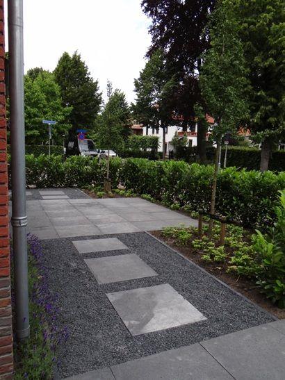 Voortuin Tuinontwerp grind Ardennersplit jaren '30 Breda