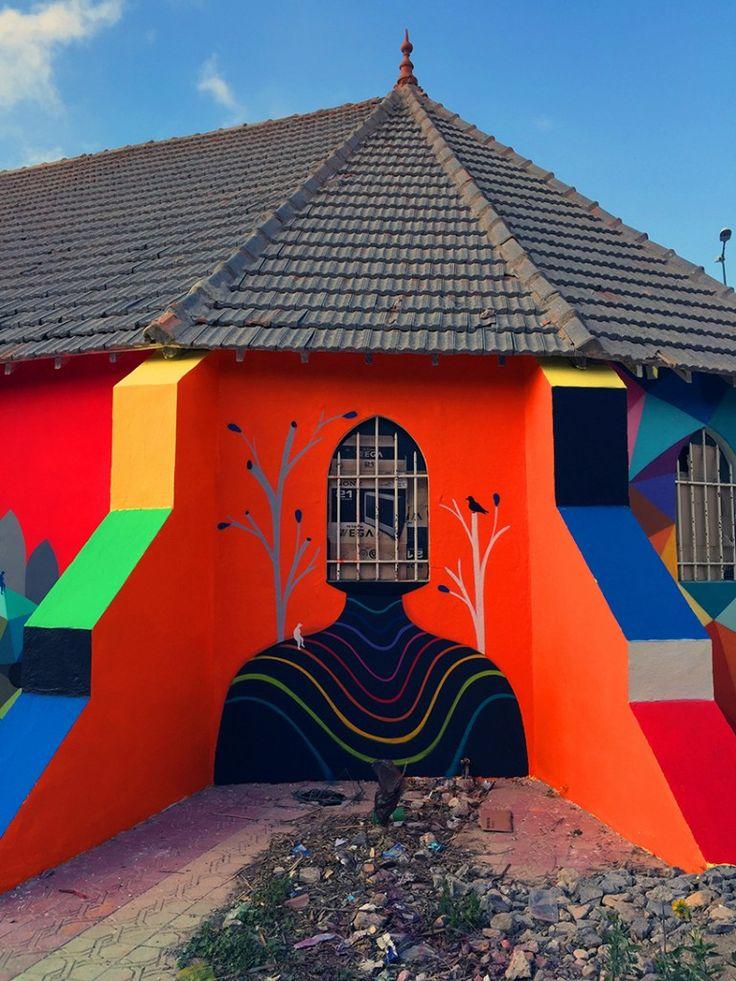 Deze man tovert verlaten kerken om tot kleurrijke kunstwerken - Roomed