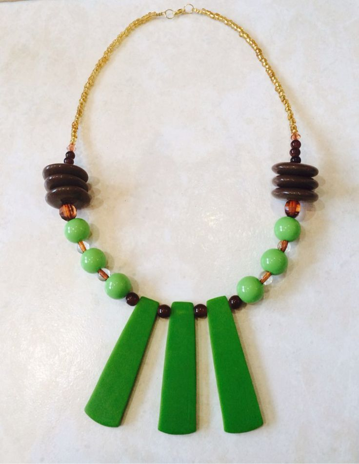 Stunning Green & Brown Necklace on Locl