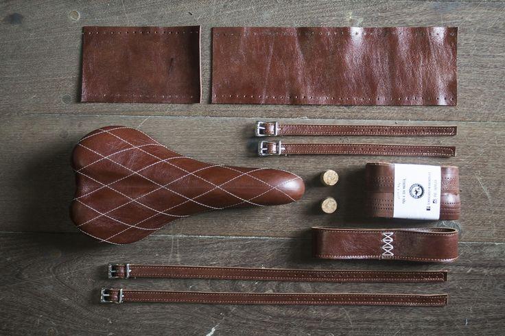 #bicycle #handmade #leathercraft #leather