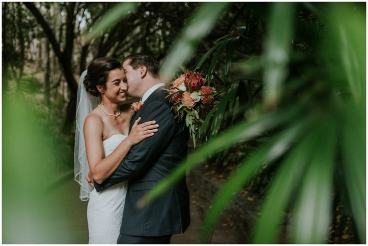 Where is the perfect place for two animal lovers to get married? The San Diego Safari Park, obviously! Lyndsey and Matt actually met at work as animal technicians. On Lyndsey's very first day, Matt introduced himself to get her settled. She immediately thought he was cute, and they both could not…