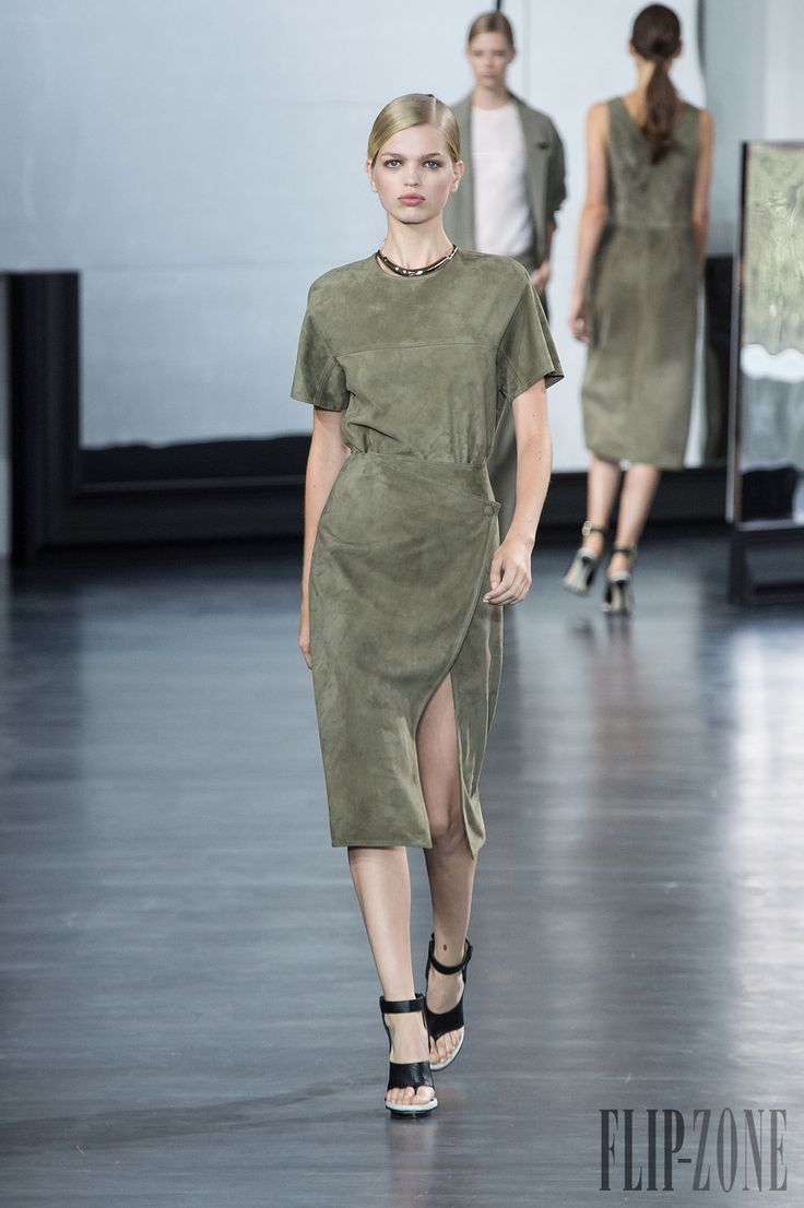 Jason Wu Spring-summer 2015 - Ready-to-Wear - http://www.flip-zone.net/fashion/ready-to-wear/independant-designers/jason-wu-4863 - ©PixelFormula