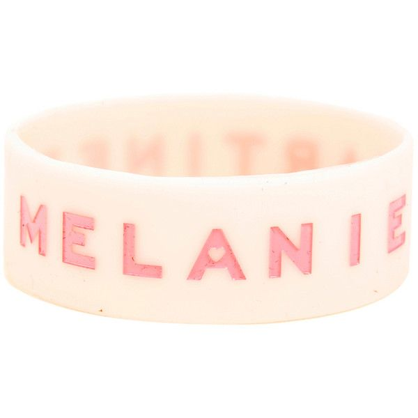 Hot Topic Melanie Martinez Pink Rubber Bracelet (45 NOK) ❤ liked on Polyvore featuring jewelry, bracelets, multi, pink bangles, pink jewelry, rubber jewelry and rubber bangles