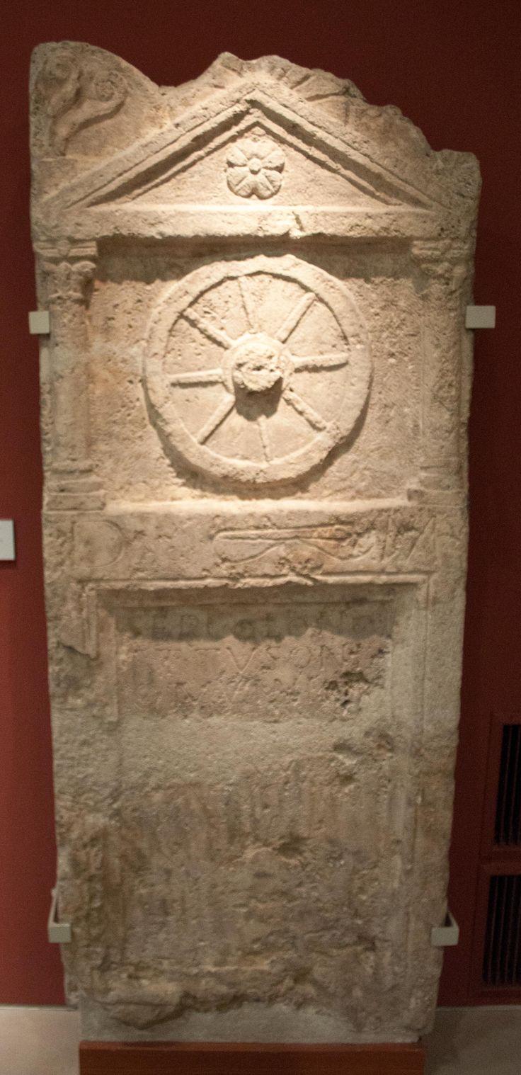 Tombstone of Sep(timius) Colonus Attusonius mulio (mule-drover). Inscripción funeraria roman procedente de Budapest (Hungría), correspondiente con CIL III 10557: D(is) M(anibus) / Sep(timio) Colono / Attusoni/o mulioni q[ui] / vixit an[n(os)] / [---] Amma / coniugi ca/rissimo / ex suo f[e]cit. Early 3rd century A.D.