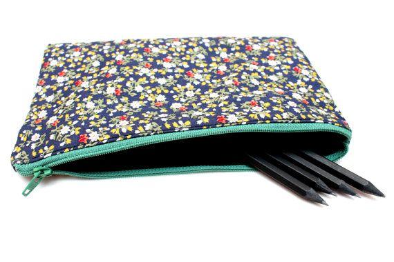 Sale! Floral Pencil case / Makeup Bag, Cute Pouch with One Pocket and Zipper, 20.5cm x 13.5cm