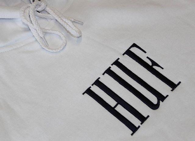 New @hufworldwide Marka Pullover Fleece in store and online. Available in color White and Navy, size S/M/L. Link in bio. #huf #hufworldwide #holiday17 #pullover #sweatshirt #fleece #skateapparel #skatewear #streetwear .#skateboard #skatelife #skateeverydamnday #skateshop #onlineskateshop #supportyourlocalskateshop #centralskateshop #frenchriviera #roquebrunecapmartin