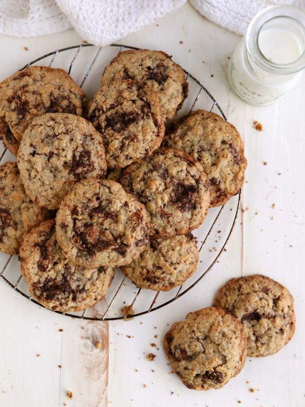 Flourless Oatmeal Chocolate Chunk Cookies