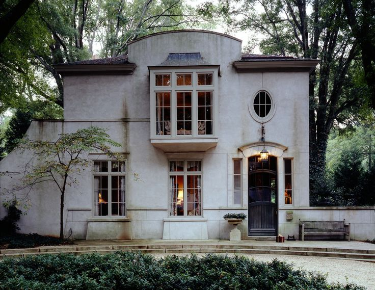 stucco french townhouse by mcalpine tankersley