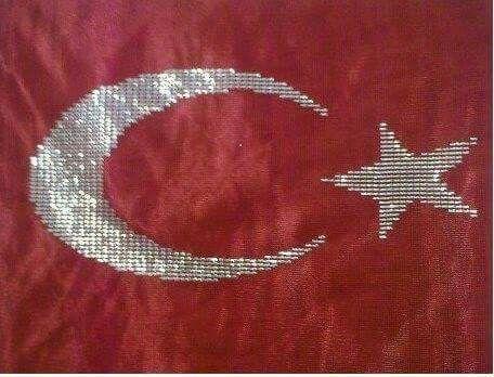 Tel kırma Türk bayrağı.