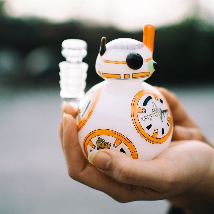 Dab with everyone's favorite little droid.