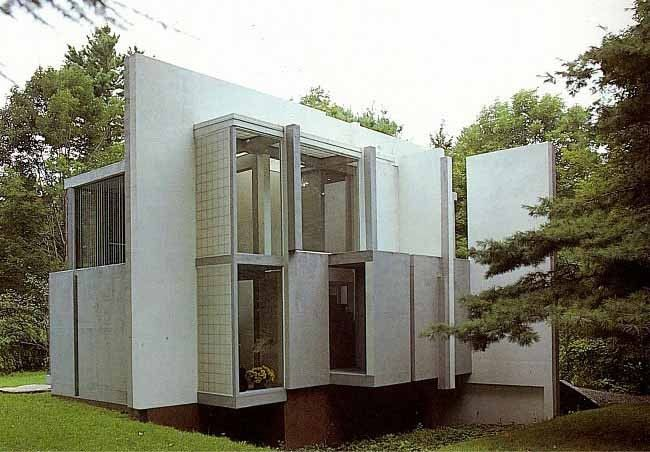 Built by Peter Eisenman in Cornwall, United States with date 1975. Images by sketchygrid.com. Unlike the previously featured Vanna Venturi House, Peter Eisenman's House VI includes disorientation in the work wit...