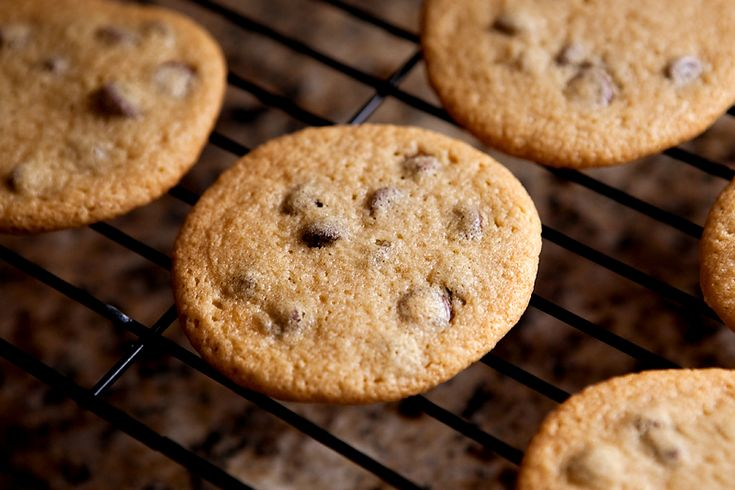 Soft and Chewy Chocolate Chip Cookies | Recipes I'd like to try | Pin ...