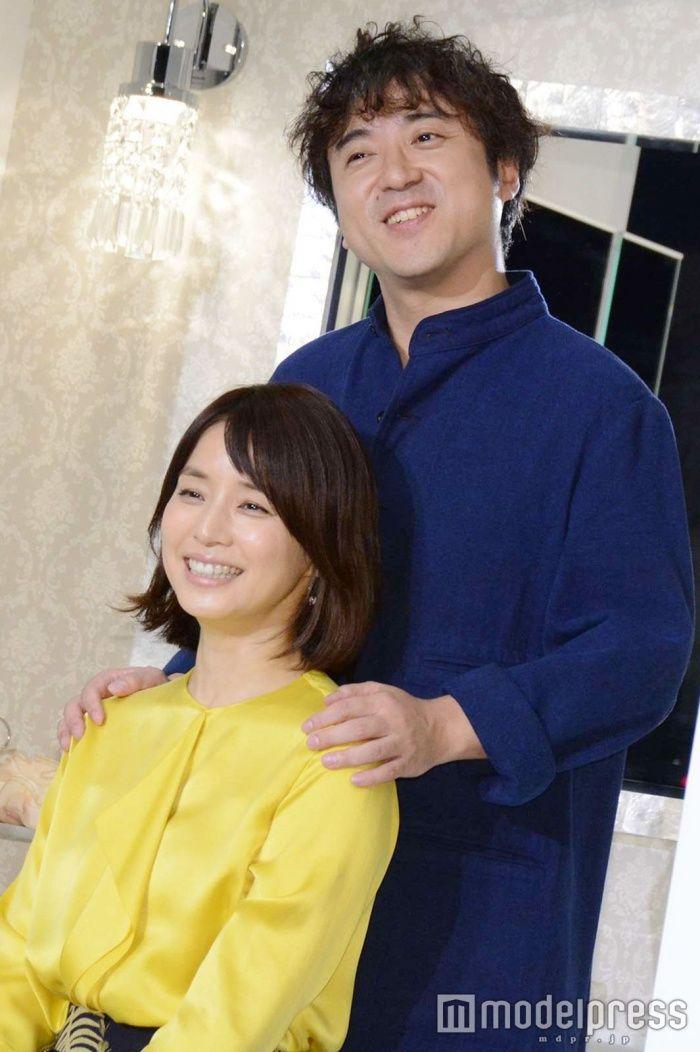 """(画像2/23)ムロツヨシ、""""石田ゆり子の夫""""をアピール 密着にニヤケ止まらず"""