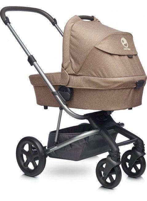 Easywalker Harvey Kinderwagen mit Babywanne Soft Caramel - Kleine Fabriek. Mehr Infos auf https://www.kleinefabriek.com/.