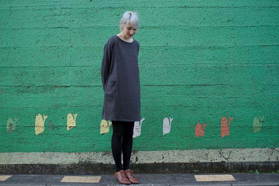 Dot And Stripe Dress, Vintage Shoes, Uniqlo Leggings