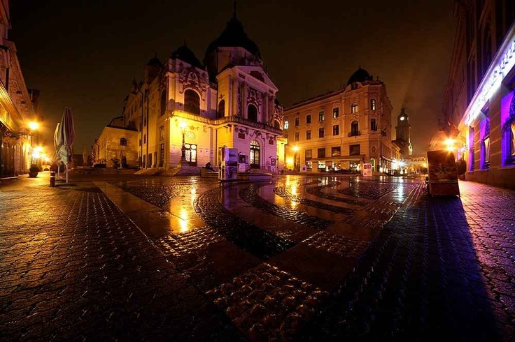 Pécs, Színház - Theatre