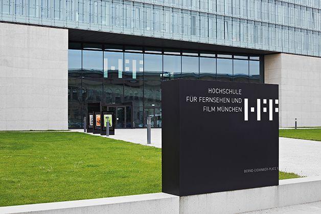 Signaletik  Hochschule für Fernsehen und Film, München Information und Orientierungssystem  in Zusammenarbeit mit Büro für Gestaltung, Wangler & Abele   Funktionskonzeption, Auschreibung, Planung