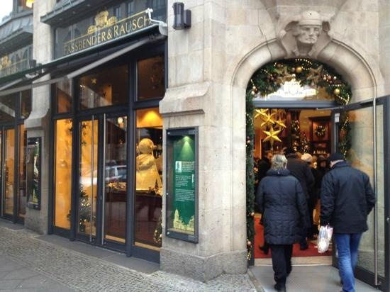 Fassbender Rausch: Charlottenstraße 60 10117 Berlin, Duitsland. Biggest  Chocolate Shop And Restaurant