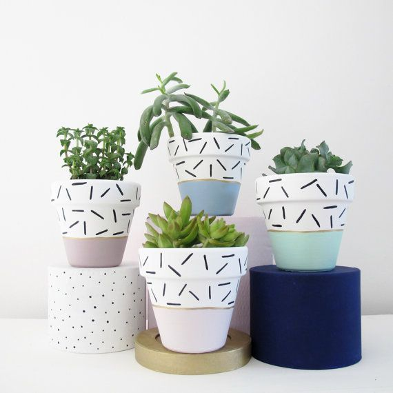 Hand Painted Plant Pot Mint Dash
