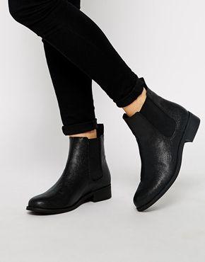 Monki Selina Black Stingray Chelsea Boots