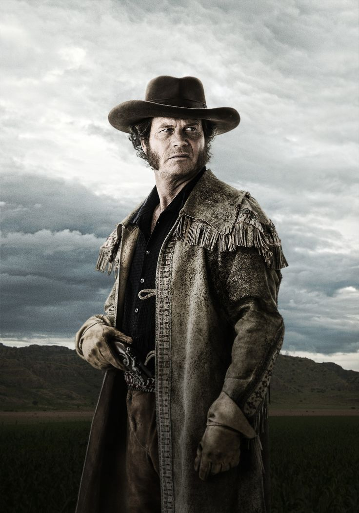 Check out Bill Paxton & Brendan Fraser in Texas Rising